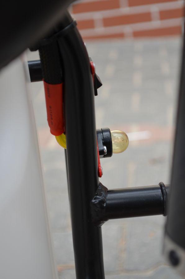 Opcjonalna - zmniejszona pompka paliwa z systemem przelewania zimnego silnika